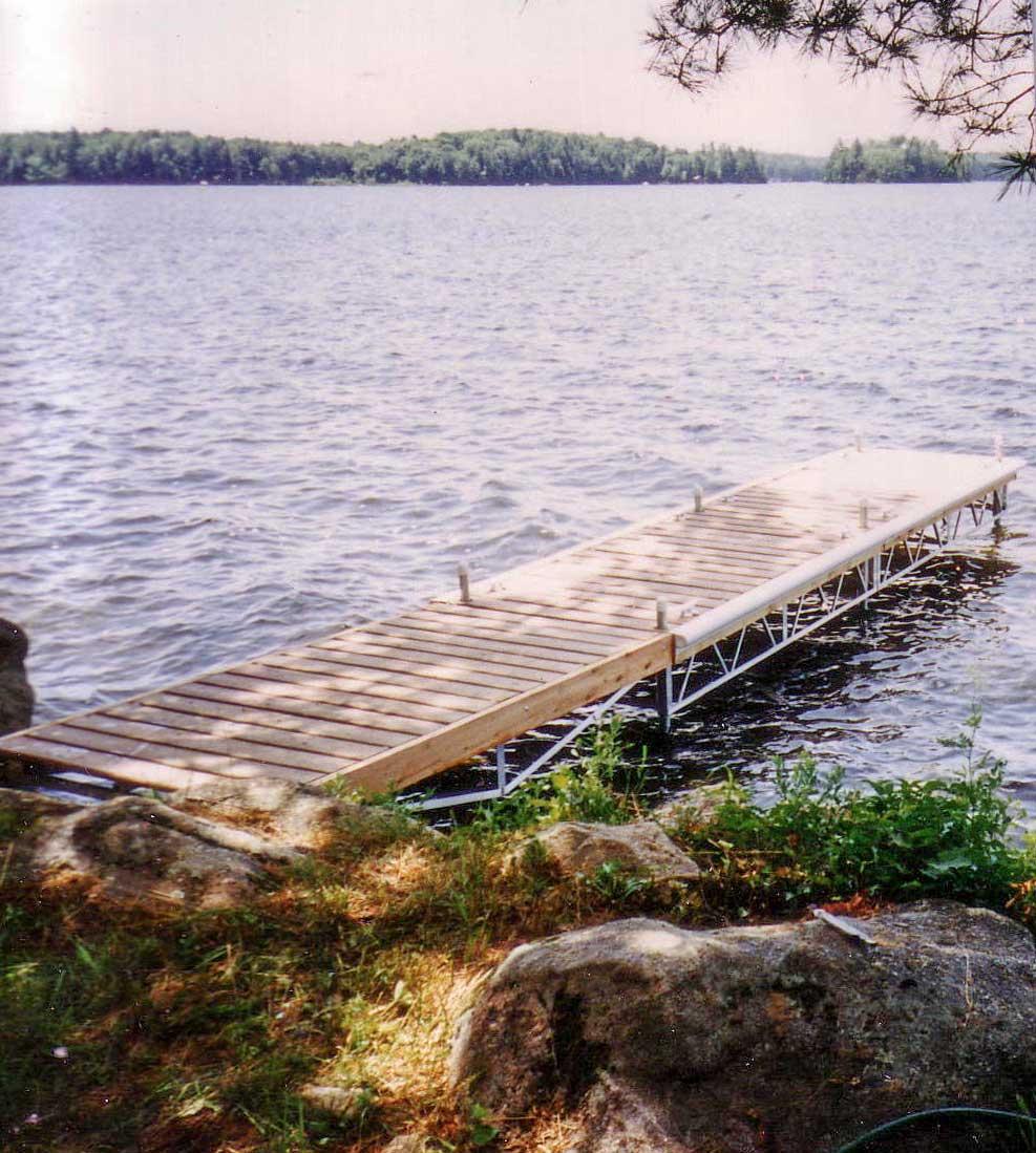 A small leg dock.